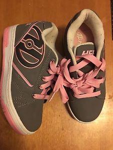 Size 1 youth pink/grey Heelys