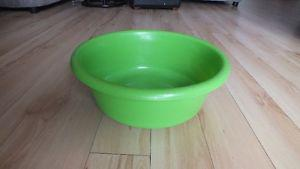 Vintage Retro Lime Green Washing Bin Perfect for Camping! $5