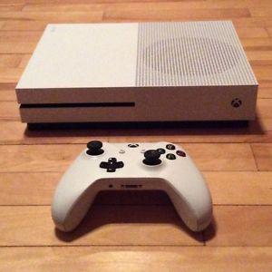 Xbox one S with minecraft bundle
