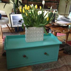 lovely turquoise table seat (w/storage) with river stone