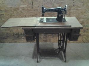 Antique s Singer Sewing Machine