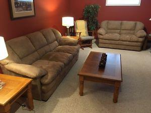 Brown Sofa and Loveseat in Excellent Condition