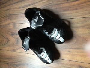 Chaussures de soccer grandeur 1
