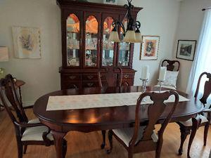Dining Room Set in Solid Cherry