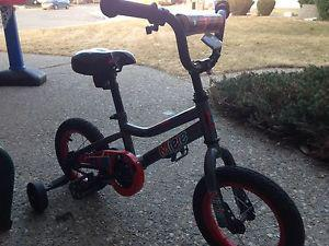 Miele bike with training wheels