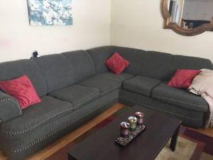 SECTIONAL COUCH FOR SALE WITH PULL OUT BED