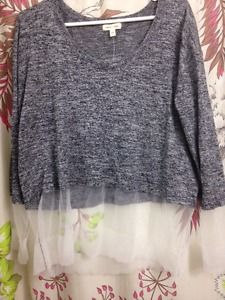 URBAN OUTFITTERS LONG SLEEVE SWEATER - SIZE L/XL