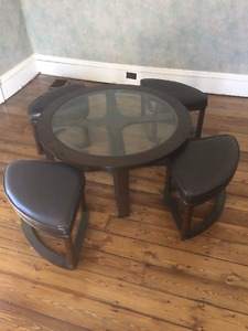 Unique Coffee Table + 4 Stools