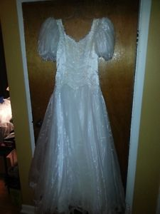Vintage wedding dress for sale size 7
