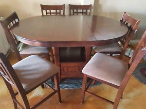 Wood Table with leaf and 6 chairs $900