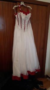 Beautiful 2x wedding gown NWT