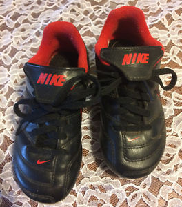 Boys Nike soccer cleats size 10
