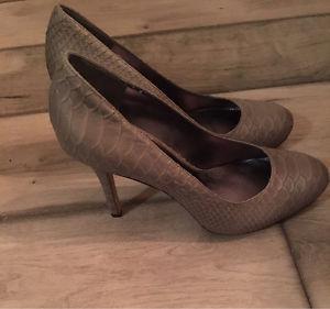 Brand New Size 7 Via Spiga Designer Heels