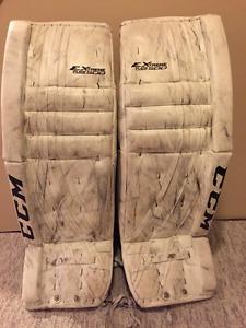 CCM/Vaughn Senior Goalie Equipment Set-Pads, Glove and