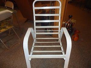 Chaise de patio avec coussin