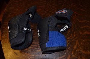 EASTON Hockey Short Elbow Pads - Youth