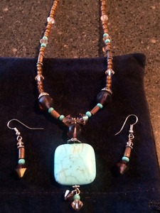 Necklace and Earrings with Swarovski crystal