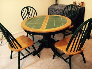 Oak dinning table set with 4 chairs