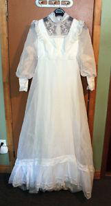 RETRO WEDDING DRESS/HAT/VEIL
