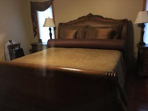 Reduced to sell - King Bedroom Suite - 5 pieces