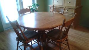 Single Pedestal Oak Table with 6 chairs and leaf