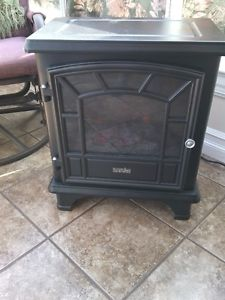 Small Duraflame Electric Stove with Heater