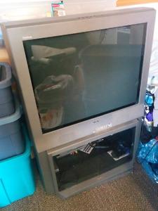 Sony flat screen TV (tube type)