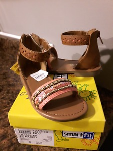 Toddler girl size 9 sandals