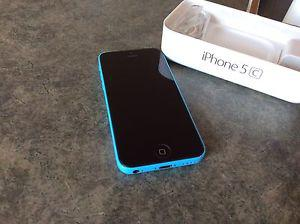 iPhone 5C 16 gb in absolute minute condition on rogers.