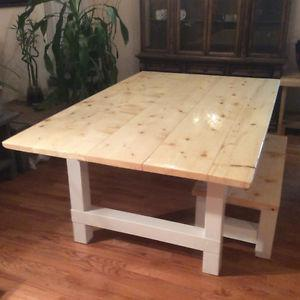 Beautiful handcrafted dining table 795$!!