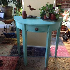 Gorgeous half moon turquoise table with ammonite fossil