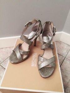 MK sandal, brand new. size 7