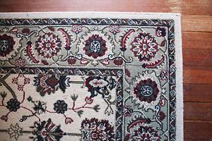 """Oriental Rug - White ~ 5' x 8"""""""