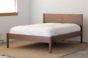 Wanted: LOOKING FOR A QUEEN SIZE BED