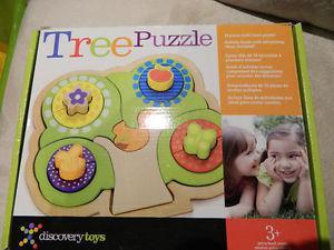 Wooden developmental puzzle