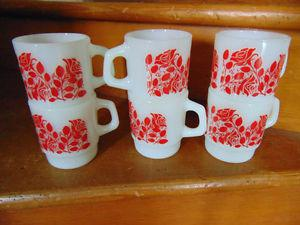 ANCHOR HOCKING OVEN PROOF 6 RED ROSES PATTERN CUPS