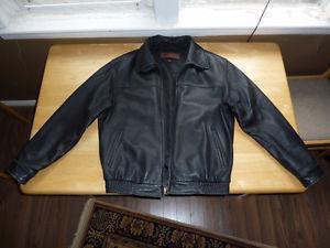 Danier Genuine Leather Jacket Large Good Condition