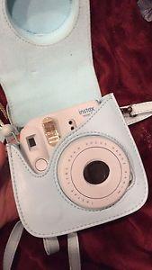 Fujifilm Mini 8 Polaroid Camera with Case