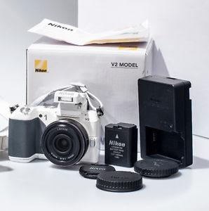 MINT! - NIKON 1 V2 MIRRORLESS CAMERA + 10mm/2.8 LENS