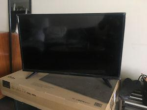 32 inch LED TV for sale - * like new *