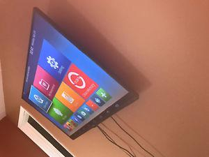 "48"" LG flat screen TV + wall mount"