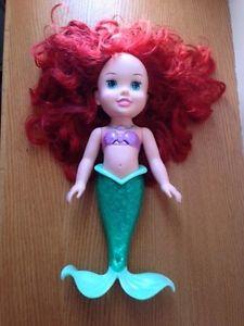 Ariel the little mermaid doll (tub toy)
