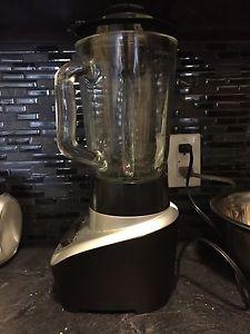 BLACK AND DECKER 8 Cup BLENDER
