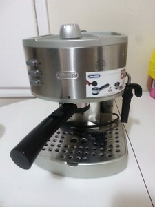 Delonghi 2 in 1 espresso and cappuccino