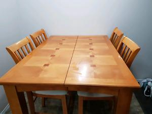 Dining table set for sale!!! For $400