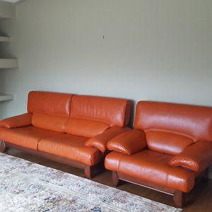 Selling leather Sofa (Couch) (2 pieces)