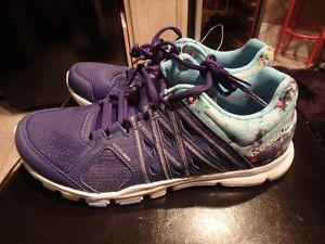 Ladies Reebok Memory Tech Running Shoes Size 7 or 9