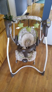 Like new swing and vibrating bouncy chair combo