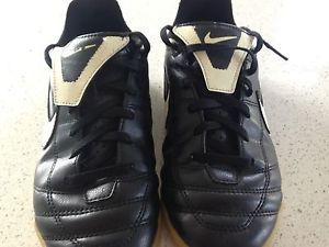 NIKE SOCCER SHOES -SIZE 3