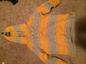 Sweaters & long sleeve shirts
